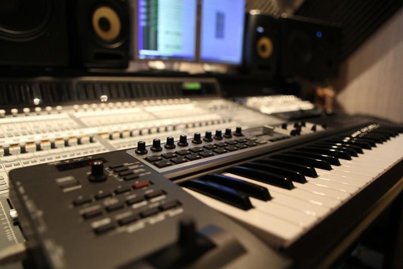 Педагогика дополнительного образования: преподаватель игры на электронных музыкальных инструментах. Клавишный синтезатор